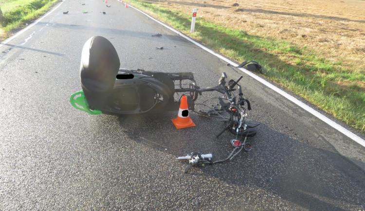 Dvaadvacetiletá řidička skútru nepřežila nehodu na Prachaticku