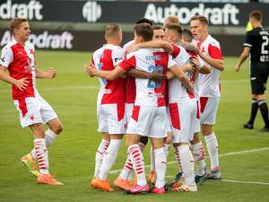 FOTO: Slavia na jihu Čech dominovala a vykročila za obhajobou. Dynamu nadělila šest branek