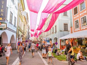 Letos pro vás rozsvítíme náměstí, vzkazuje tým festivalu Město lidem, lidé městu