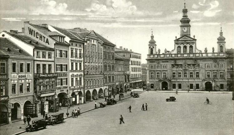 DRBNA HISTORIČKA: Jižní strana náměstí