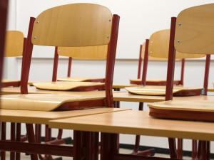 Školy na jihu Čech hlásí nakažené pedagogy, začátek školního roku se posouvá