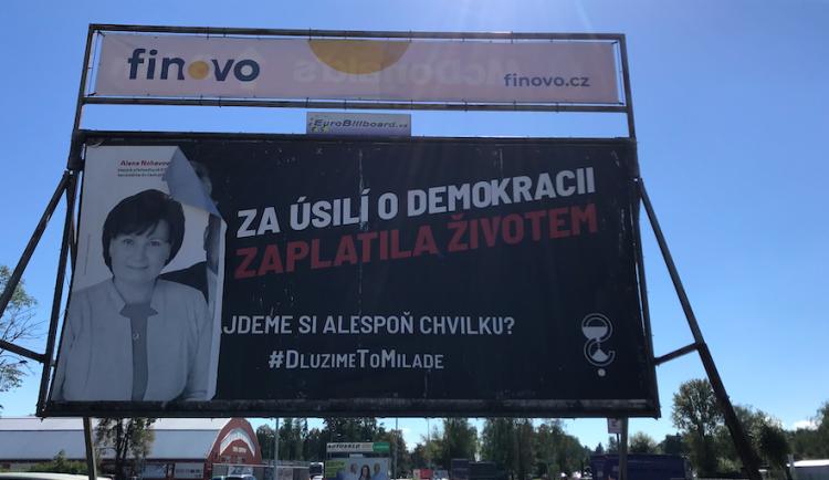 Komunistům kdosi ničí předvolební billboardy. Jde o cílené útoky, tvrdí lídr