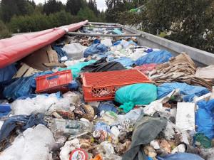 Polský kamion převážel 18 tun komunálního odpadu do Česka. Neměl k tomu povolení