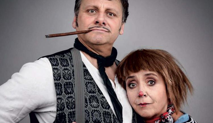 SOUTĚŽ: Barbora Hrzánová a Radek Holub zahrají v divadelním sále Metropolu