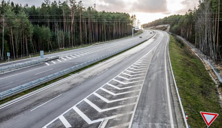 Za dostavbu dálnice D3 ve Středočeském kraji má bojovat petice. Reaguje na Babišovo setkání s odpůrci stavby