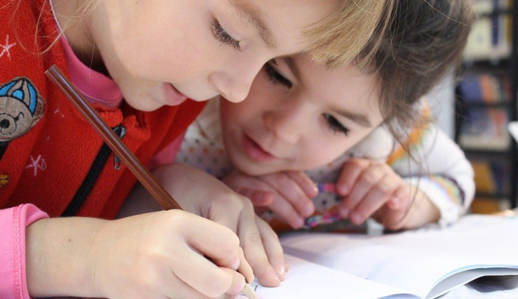 Školáci z Milevska a okolí napsali a ilustrovali knihu pohádek