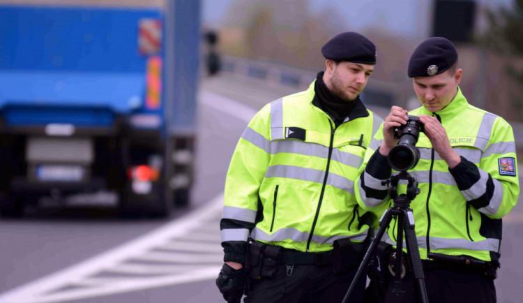 Maketa policisty zmizela od silnice v Litvínovicích. Policie hledá zloděje