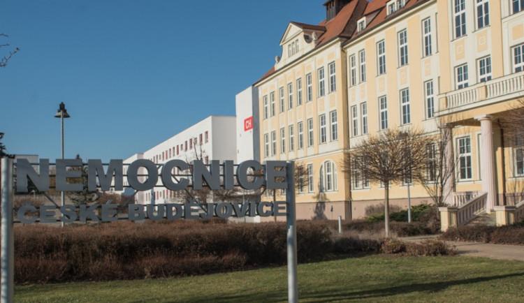 Dvě jihočeské nemocnice zakazují návštěvy u pacientů