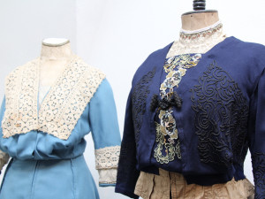 Prachatické muzeum vrací návštěvníky na přelom 19. a 20. století. Nová výstava se zaměřuje na jihočeskou secesní módu