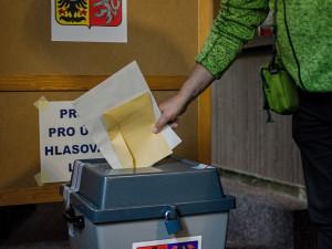 VOLBY 2020: První volební den je za námi. Účast v jednotlivých okrscích se liší