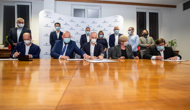 VOLBY 2020: Podepsáno. Na jihu Čech vzniká koalice ODS, KDU, TOP 09, ČSSD a Jihočechů