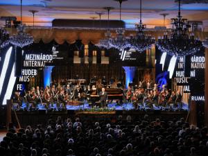 Vřelé publikum a inspirativní město, shodují se umělci. Mezinárodní hudební festival v Krumlově uzavřel koncert filharmonie