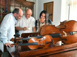 Art Salon Piano navzdory restrikcím žije