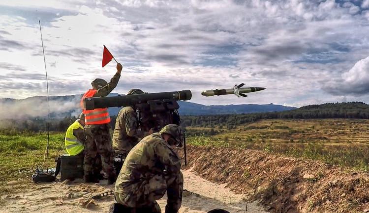 Strakoničtí vojáci převzali první část moderních protiletadlových kompletů