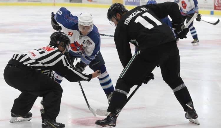 Končím kvůli svým zraněním, ale jsem šťastný za to, jakou jsem měl kariéru, řekl Hanzal ke konci v NHL