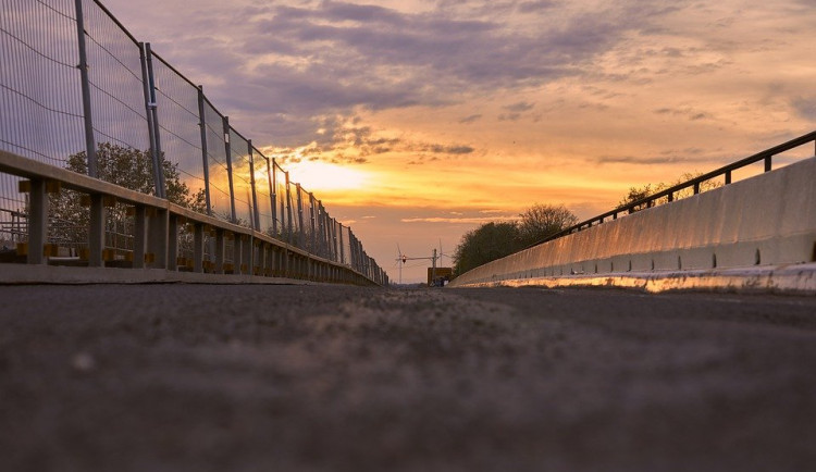 Most v Lipně je podle úřadů nutné zavřít. Starosta Loučovic s rozhodnutím nesouhlasí