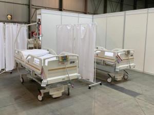 Nevyužité prostory, lázně i sportovní hala. Kraj má vytipována místa pro umístění stovek lůžek v případ přeplnění nemocnic