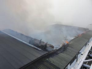 FOTO: Na jihu Čech hořela střecha firmy vyrábějící bramborové lupínky