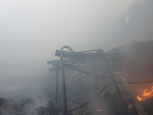 FOTO: Včerejší požár způsobil zhruba desetimilionovou škodu ve výrobně bramborových lupínků
