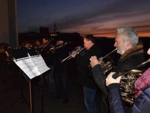 Oslavy 17. listopadu v Budějcích: Divadlo rozsvítí demokracii státní hymnou, město rození zvony
