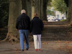 Všichni důchodci dostanou v prosinci jednorázově 5000 korun