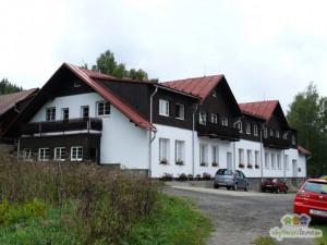 Kraj zastavil projekt rekonstrukce šumavské chaty Mládí