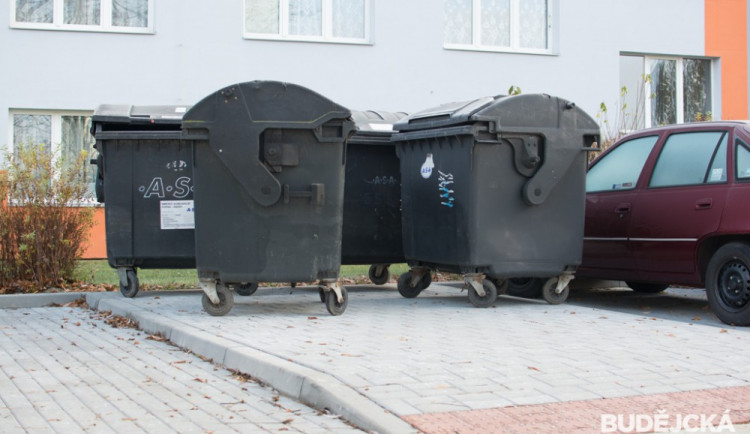 Strakonice chtějí obyvatelům zrušit poplatek za odpad