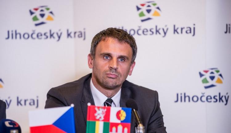 Bývalý hejtman Jiří Zimola se stal starostou Nové Bystřice. Jeho předchůdce odešel do důchodu