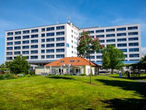 Máte zájem o zajímavou práci v českobudějovické nemocnici? Oddělení kardiochirurgie a hrudní chirurgie nabízí volnou pozici