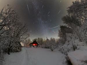 V prosinci budou skvělé podmínky pro pozorování Geminid. Noci slibují až tisíc meteorů