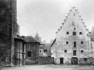 DRBNA HISTORIČKA: Piaristické náměstí nebylo vždy hezké