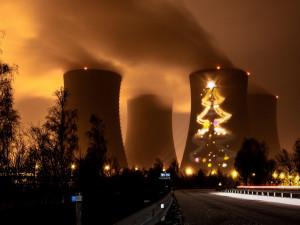 Největší jihočeský vánoční strom bude patrně opět v Temelíně