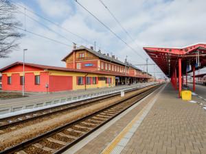 Správa železnic opraví výpravní budovu ve Veselí nad Lužnicí. Práce potrvají 12 měsíců