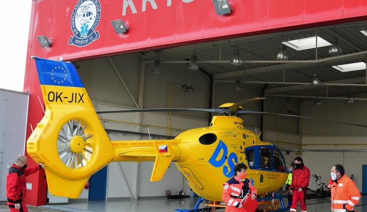 FOTO: Letecká záchranná služba se po čtyřech letech vrátila do Plané