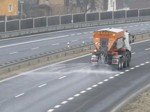 Česko ochromí náledí. Meteorologové varují před nehodami a úrazy