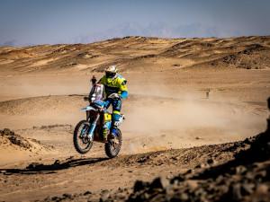 Budějčák Michek útočí na historicky nejlepší český výsledek mezi motocykly na Dakaru