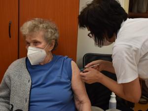 Registrace na očkování proti covidu začne pro seniory zítra ráno