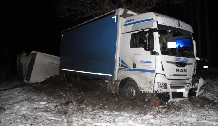 Opilý řidič nákladního auta havaroval na jihu Čech. Nadýchal skoro dvě promile