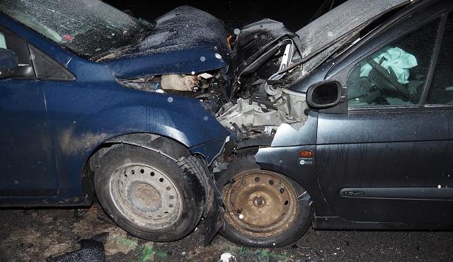 Při ranní nehodě na Táborsku se těžce zranili tři lidé