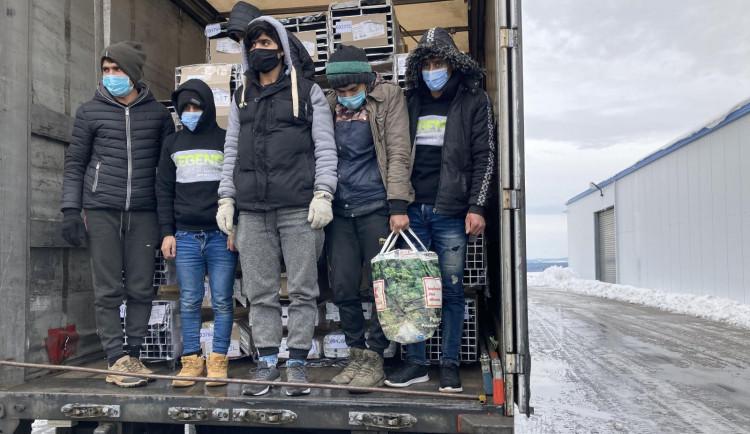 V kamionu na Táborsku našli policisté šest migrantů z Afghánistánu a Pákistánu