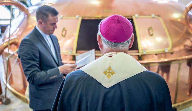 Diecézní charita získá přes 200 tisíc korun díky Požehnanému ležáku z Budvaru