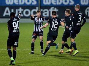 FOTO: Brzký gól a červená karta. Dynamo doma dobývalo příbramský val, nakonec vyhrálo 2:1