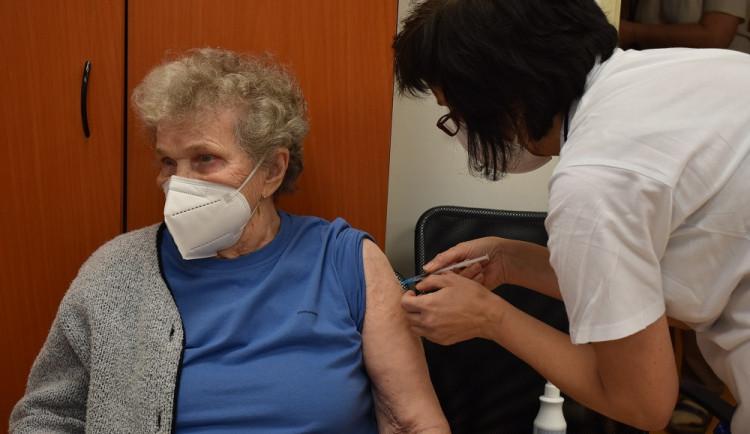 Jak jsme na tom s informacemi o očkování? Češi si vystačí s jedním číslem