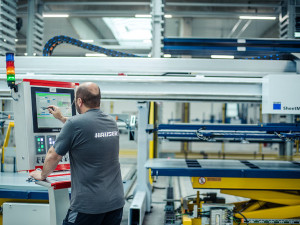 Hauser dává 110 milionů korun do expertů na plech