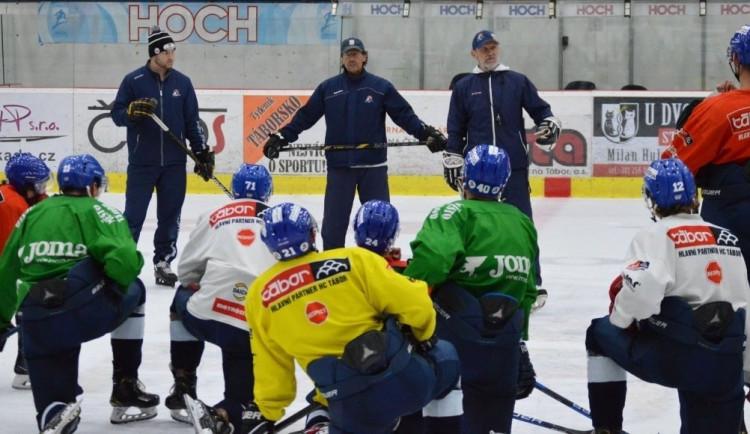 Pro hokejisty Tábora i Písku sezona končí. Neprofesionální soutěže jsou ukončeny