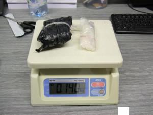 Další úspěšný zásah proti drogovým dealerům. Policie zadržela dvojici, která prodávala pervitin