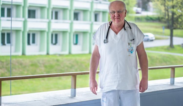 Jindřich Florián zůstává po rezignaci na post ředitele krumlovské nemocnice lékařem