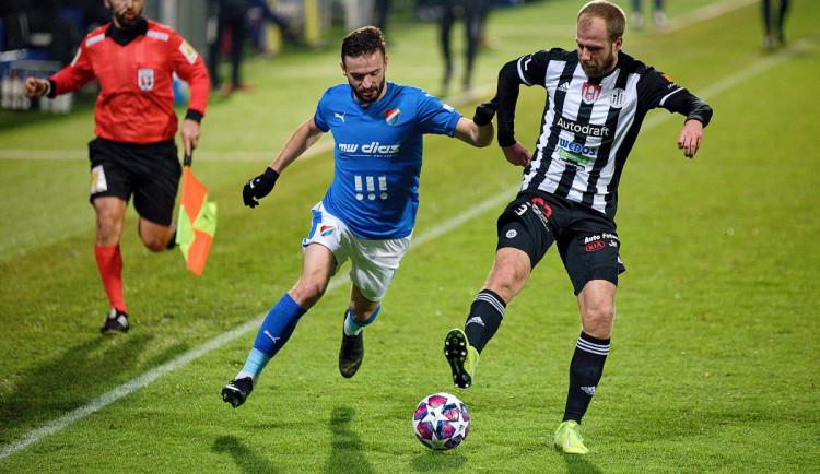 FOTO: Dynamo válí a pět zápasů v řadě neprohrálo, Baník sestřelil v závěru Mršič
