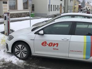 E.ON spustil dobíjecí stanici pro elektromobily ve Volarech