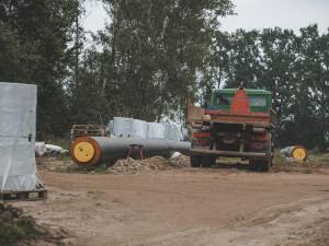 Horkovod z Temelína do Budějc dostaví jiná firma. Původní vybraná je v insolvenci